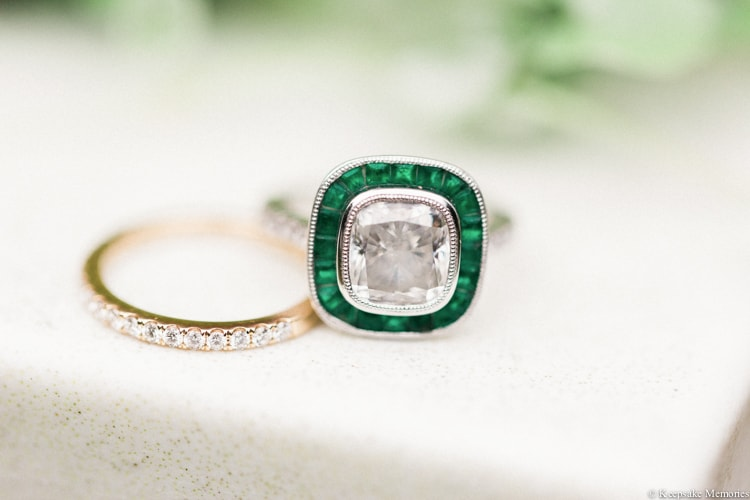 emerald-engagement-rings-and-wedding-bands-min.jpg