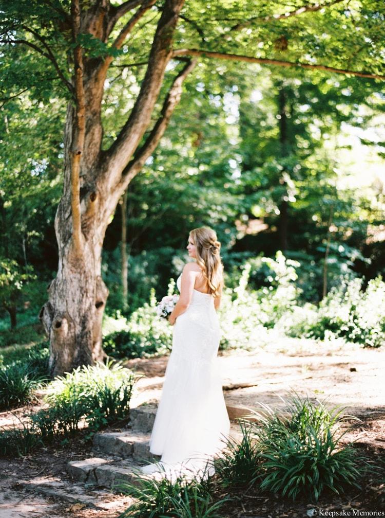 raleigh-rose-garden-wedding-bridal-portrait-photographers-12-min.jpg