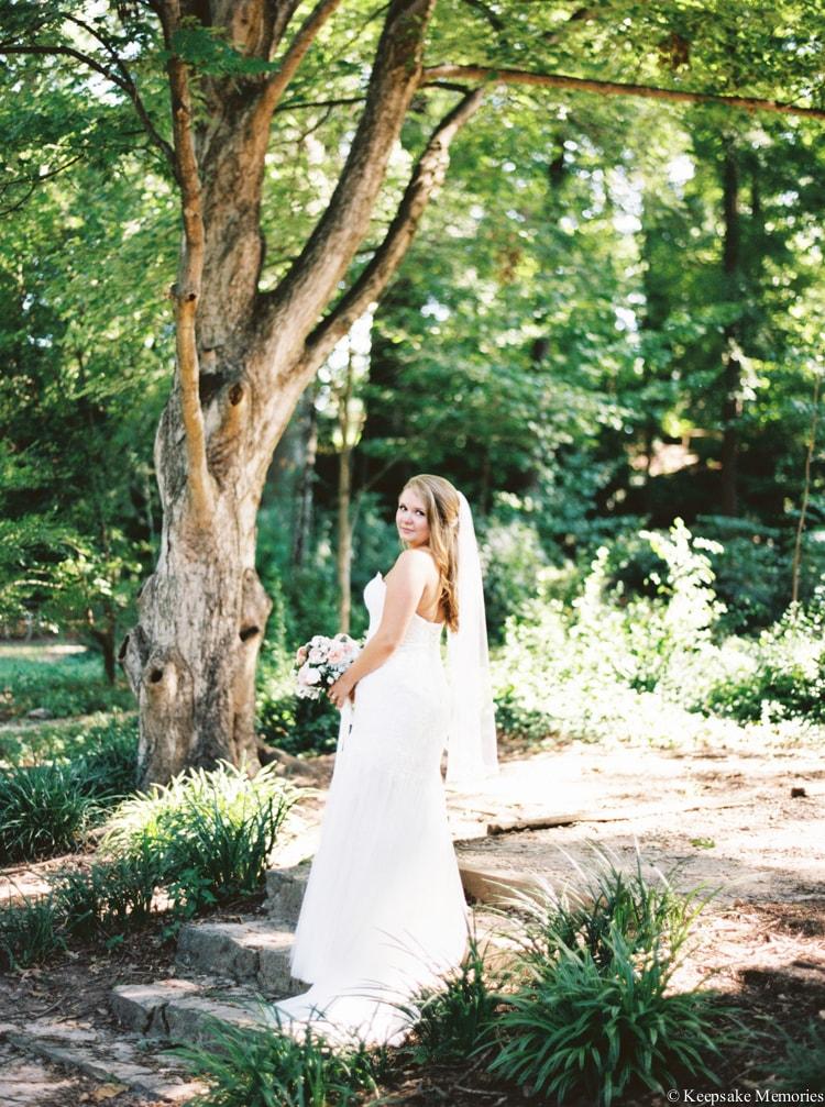 raleigh-rose-garden-wedding-bridal-portrait-photographers-13-min.jpg