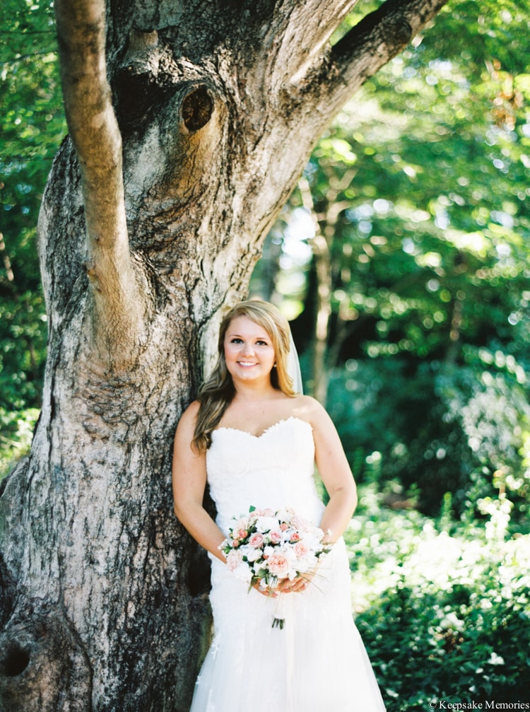 raleigh-rose-garden-wedding-bridal-portrait-photographers-16-min.jpg
