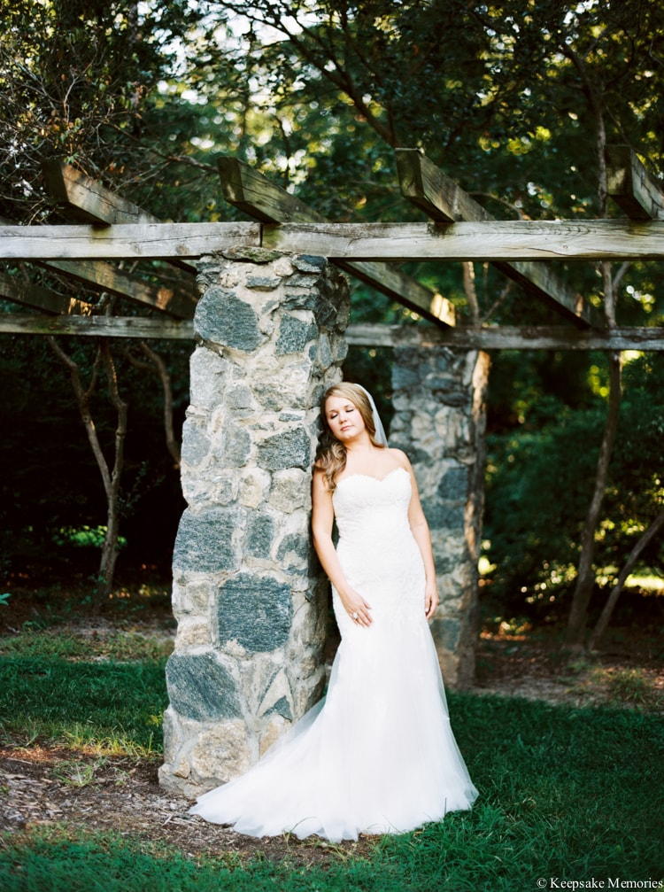 raleigh-rose-garden-wedding-bridal-portrait-photographers-18-min.jpg