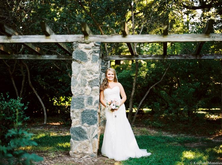 raleigh-rose-garden-wedding-bridal-portrait-photographers-19-min.jpg