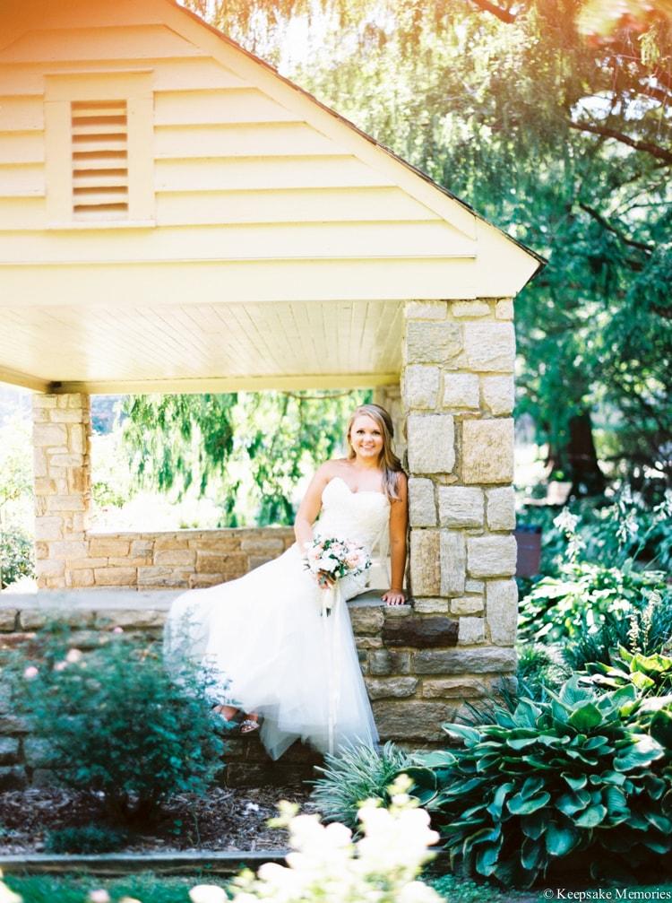 raleigh-rose-garden-wedding-bridal-portrait-photographers-2-min.jpg