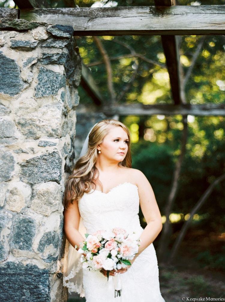 raleigh-rose-garden-wedding-bridal-portrait-photographers-20-min.jpg