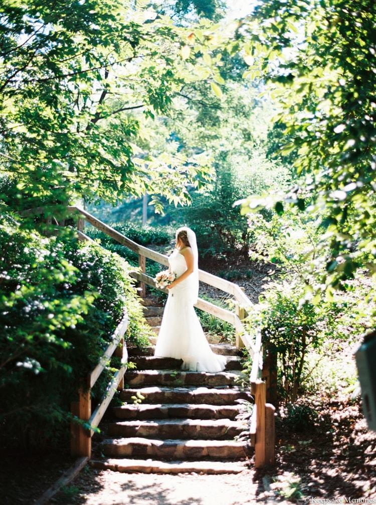 raleigh-rose-garden-wedding-bridal-portrait-photographers-21-min.jpg