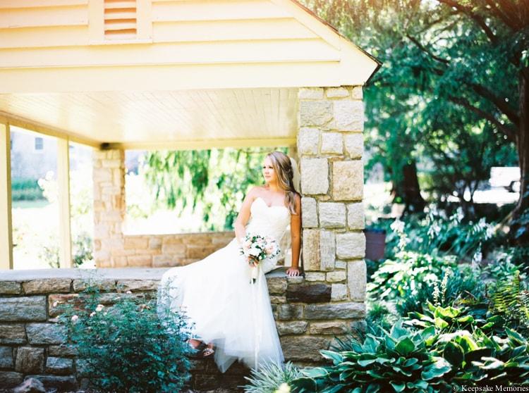 raleigh-rose-garden-wedding-bridal-portrait-photographers-22-min.jpg