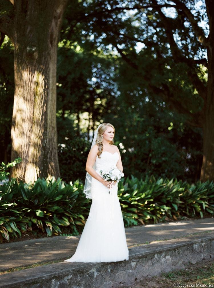 raleigh-rose-garden-wedding-bridal-portrait-photographers-3-min.jpg