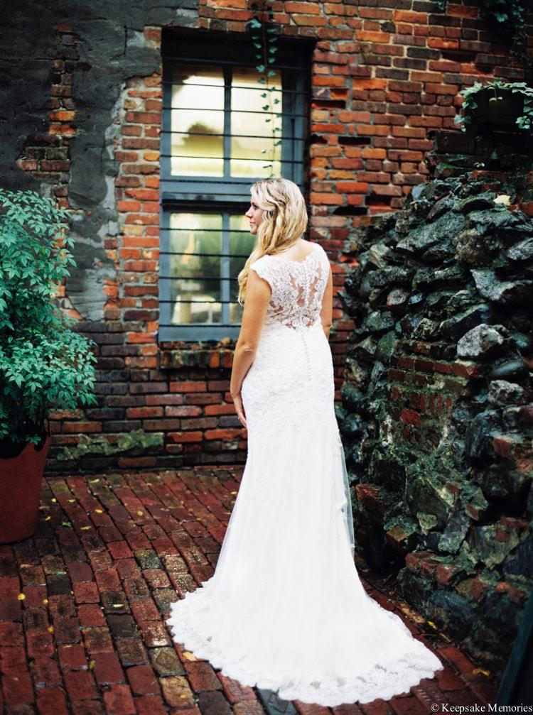 rainy-wilmington-nc-bridal-portrait-photographers-13-min.jpg