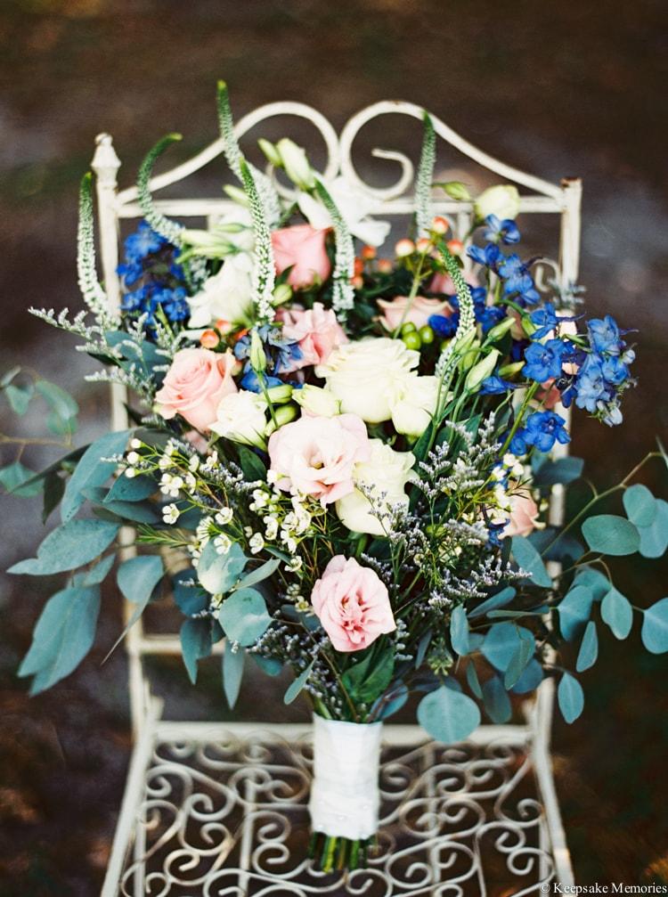 beaufort-nc-wedding-bouquet-min.jpg