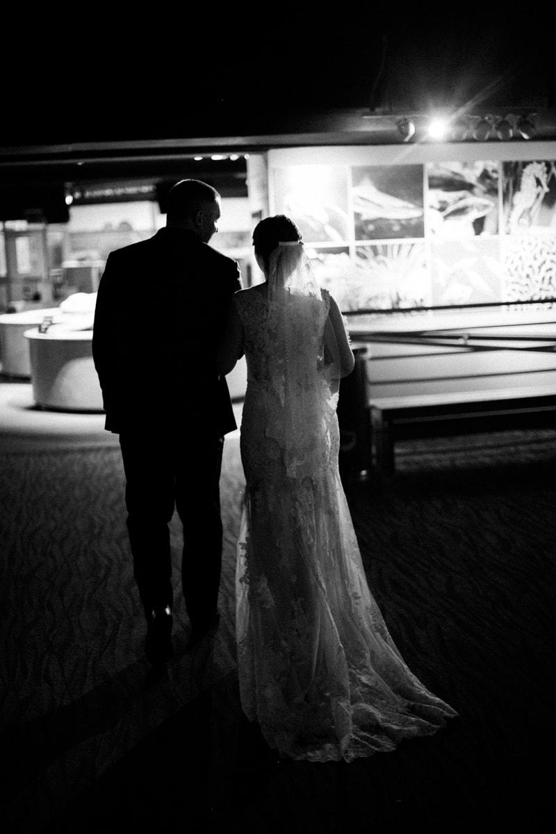 fort-fisher-aquarium-nc-wedding-photos-5-min.jpg