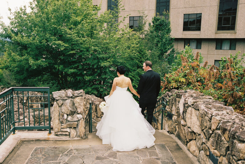 omni-grove-park-inn-wedding-photographers-28.jpg