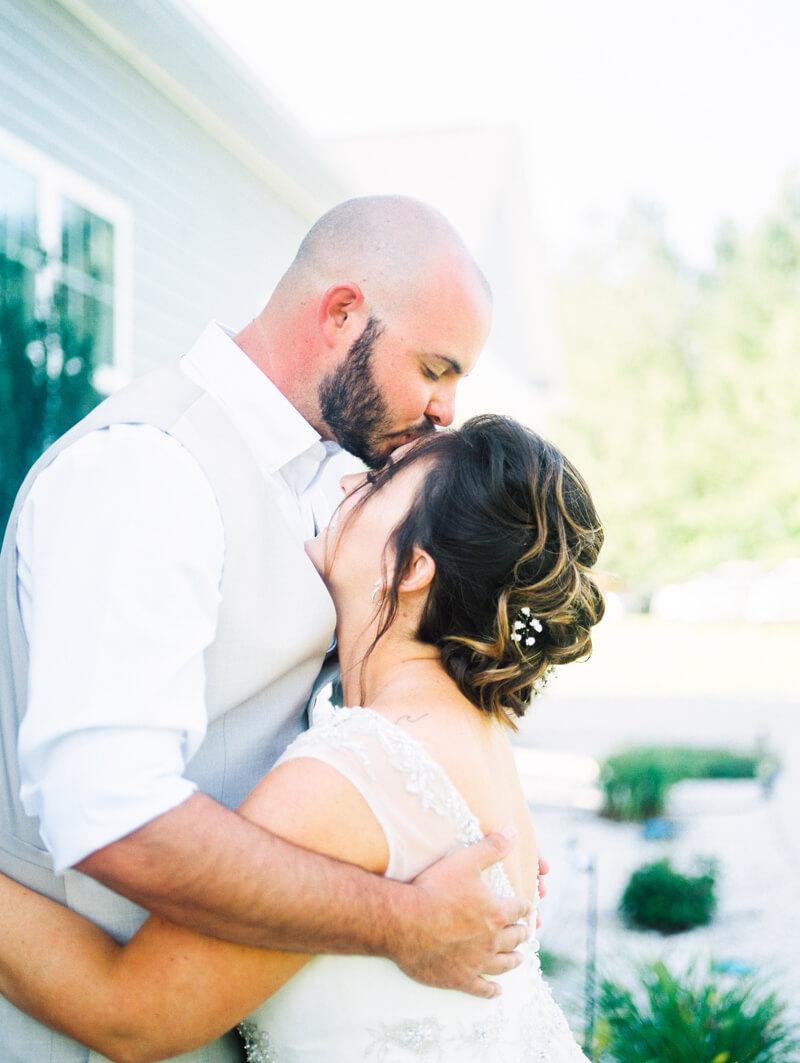 backyard-new-bern-wedding-photos-11.jpg