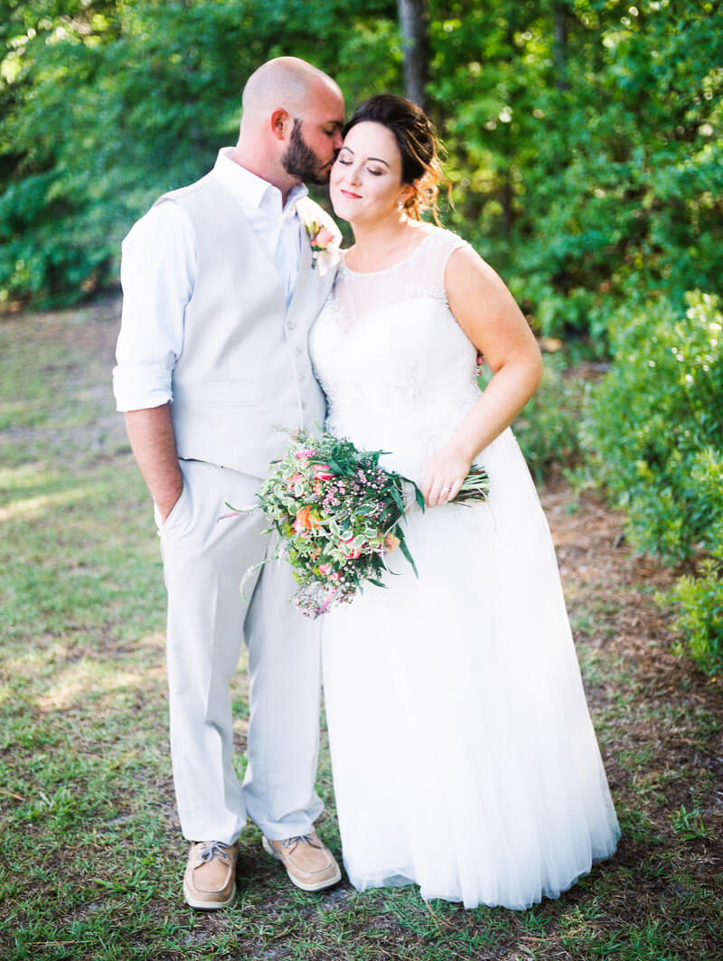 backyard-new-bern-wedding-photos-17.jpg