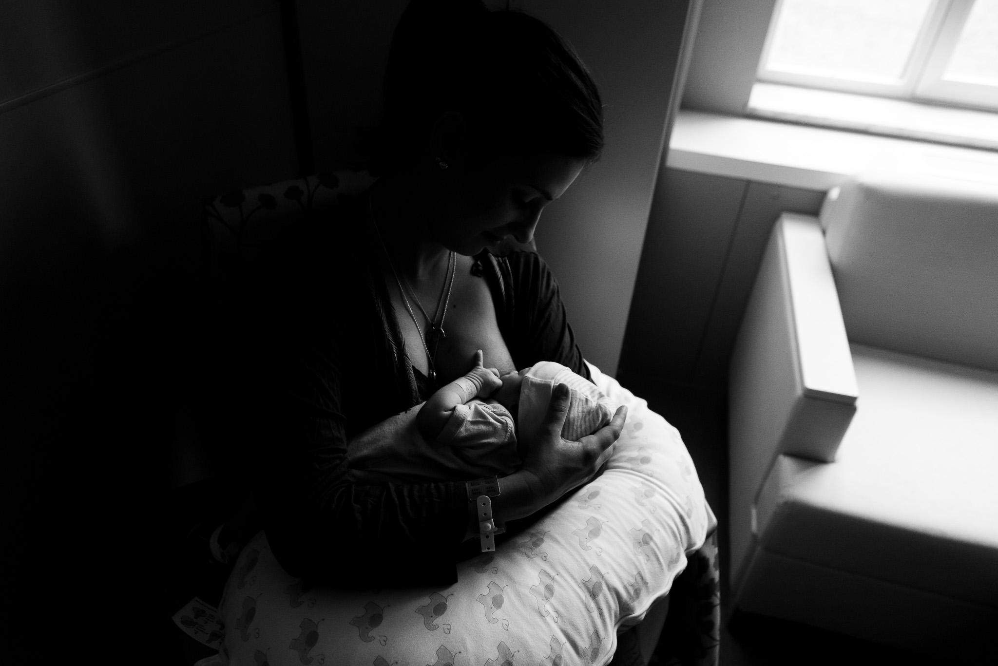 silver-spring-newborn-birth-photographers-tabitha-maegan-photography-3