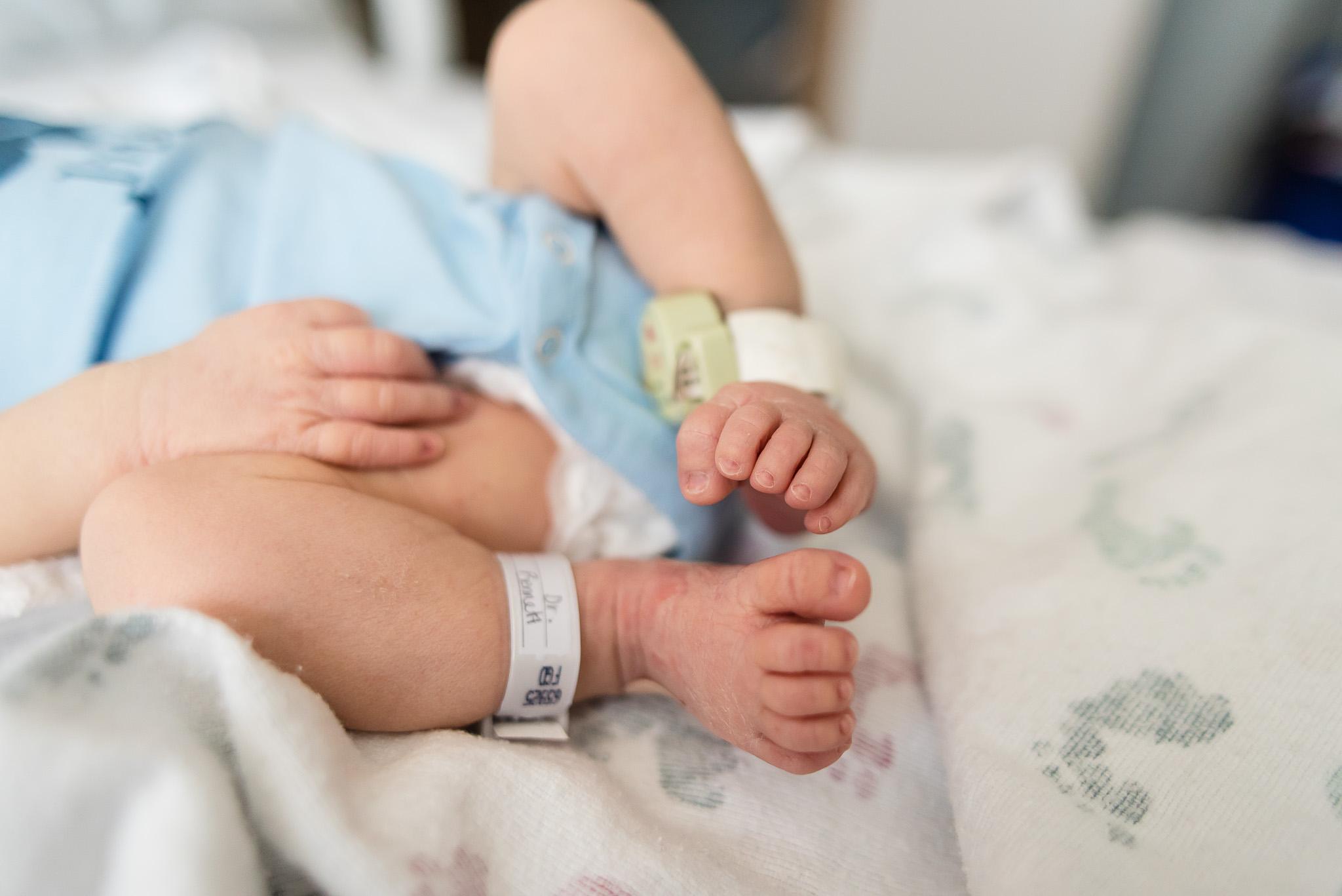 silver-spring-newborn-birth-photographers-tabitha-maegan-photography-7