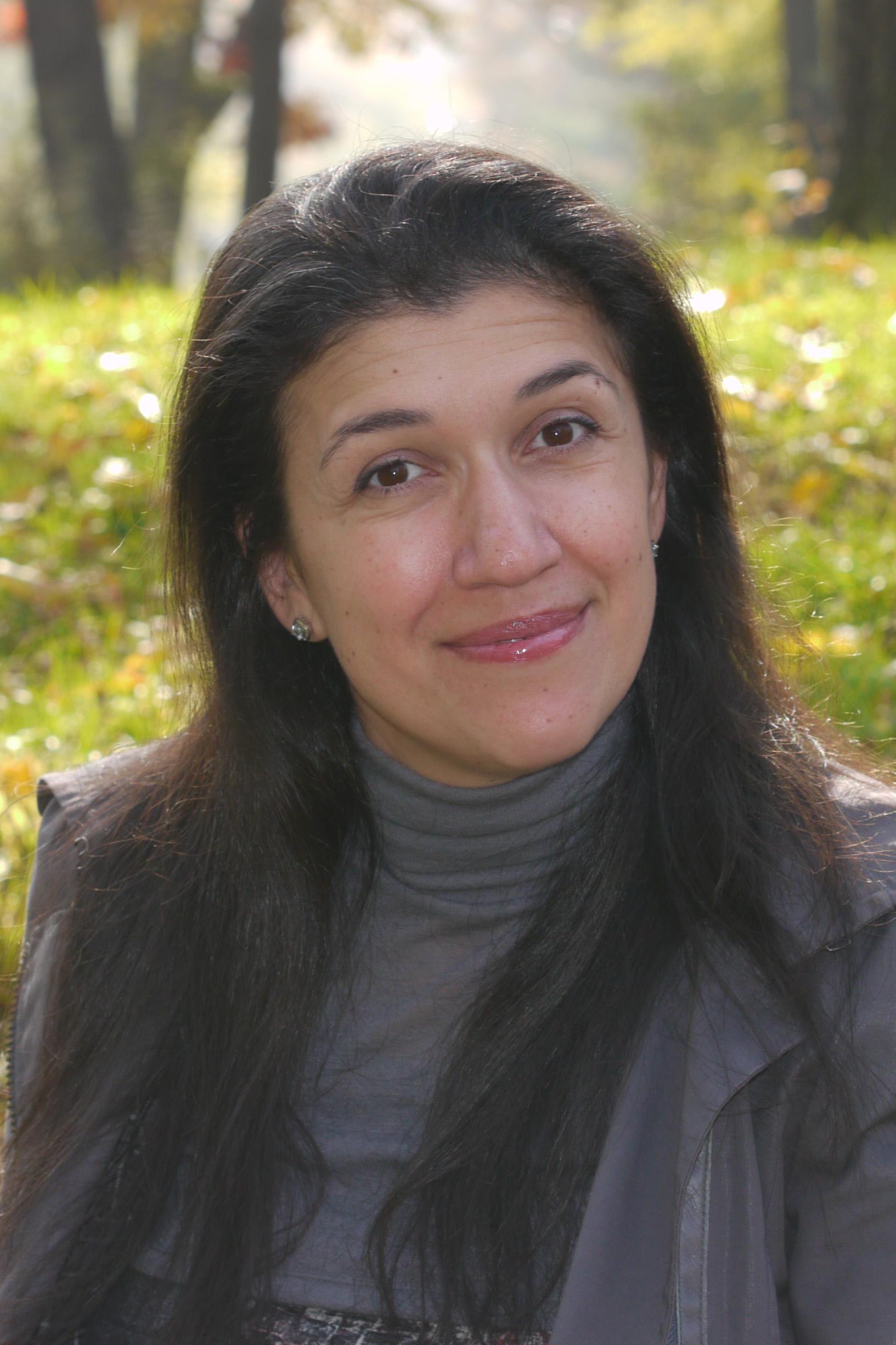 Rachel Zizov, Licensed Optician