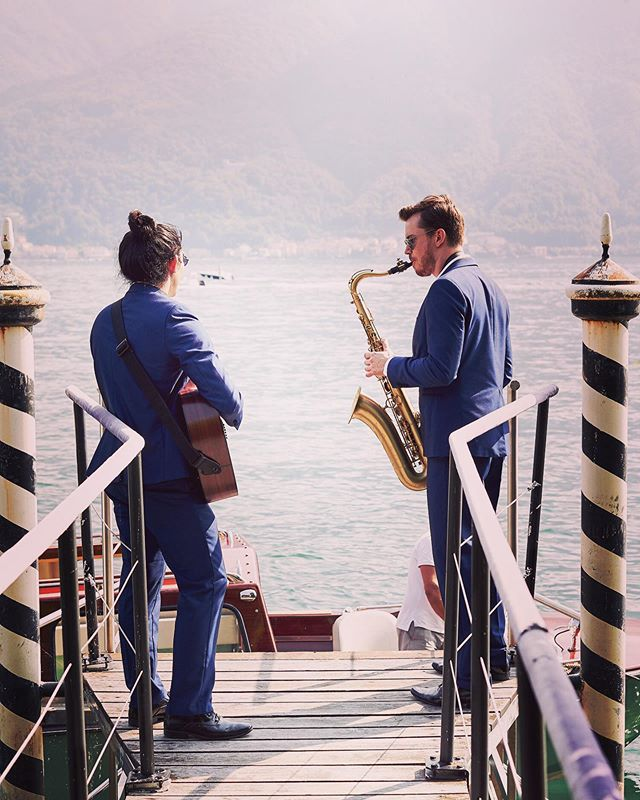 Playing guests off the boats on the dock of the bay! 📸 @lostinlove_photography #thefunctionband  #functionband #tfb #fullyfunctioned #lakecomo #lakecomowedding #thelakecomoweddingplanner #lostinlovephotography #sax #saxophone #saxophonist #guitarist #acousticguitar #acousticmusic #dockofthebay