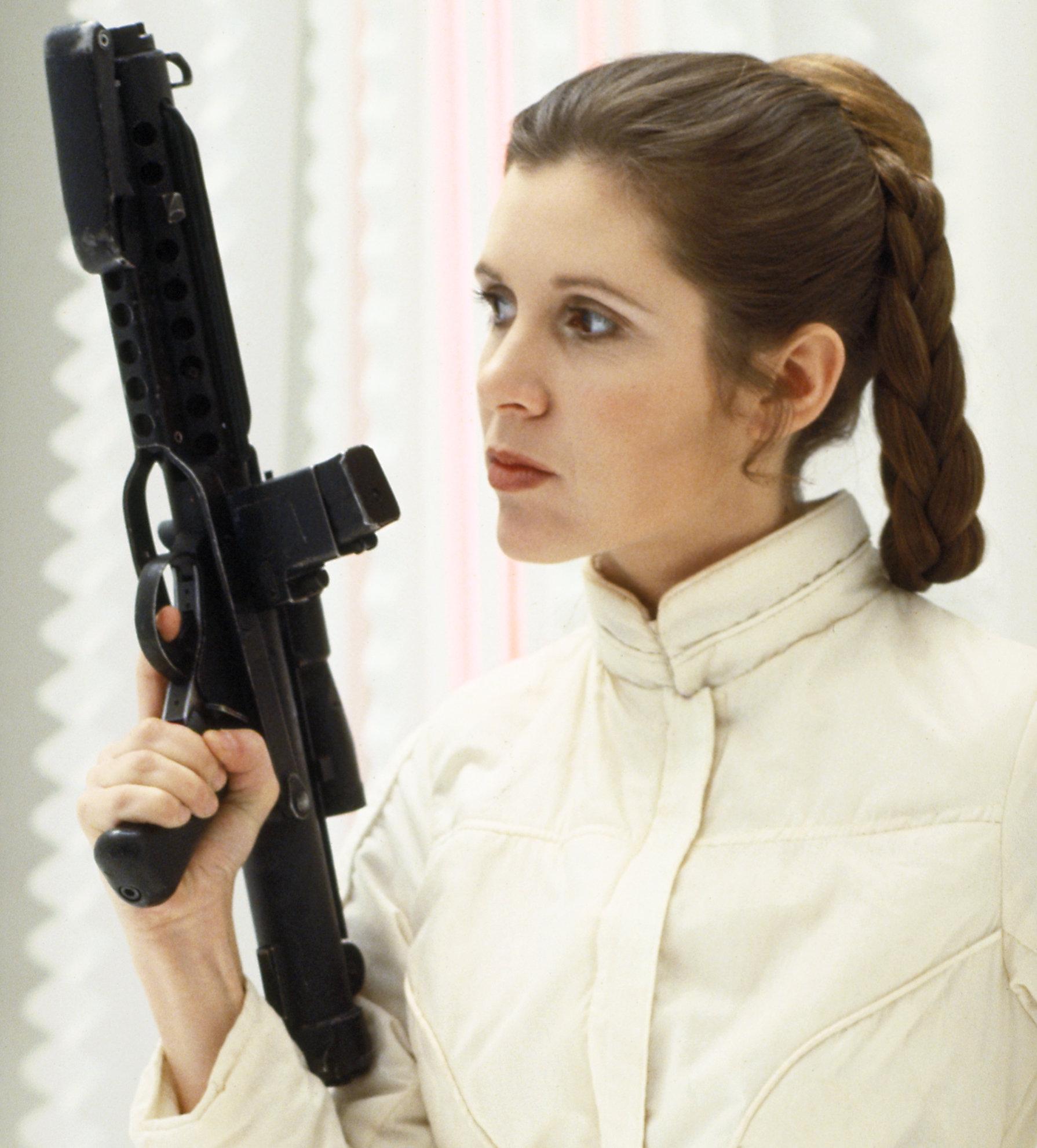 star-wars-episode-iii-blaster-a35c418bdd16ea1b.jpg