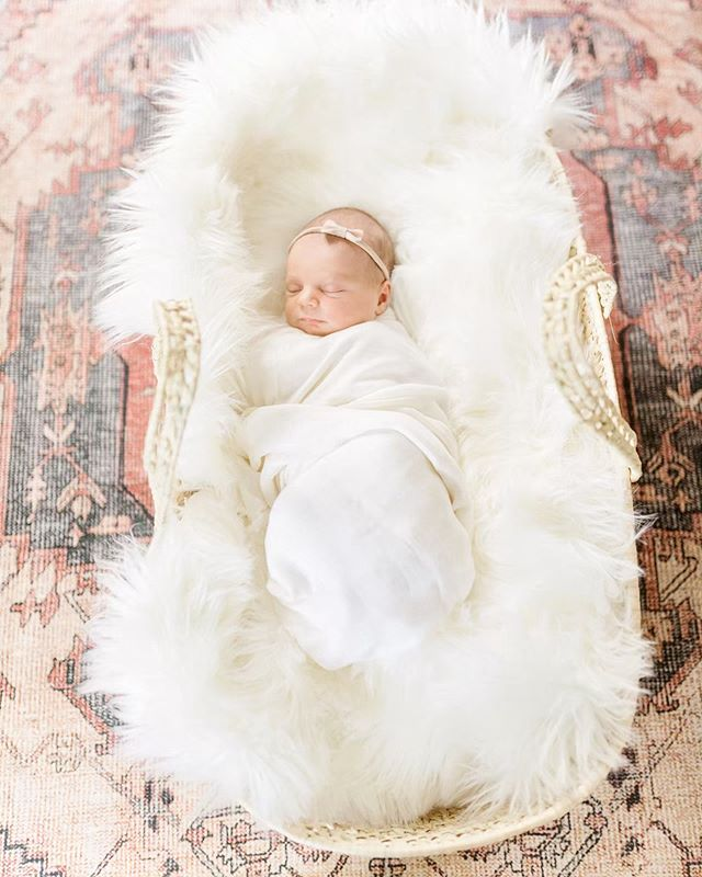 About to head out for a long day and just wishing I was little miss Saylor all snug in her moses basket ✨