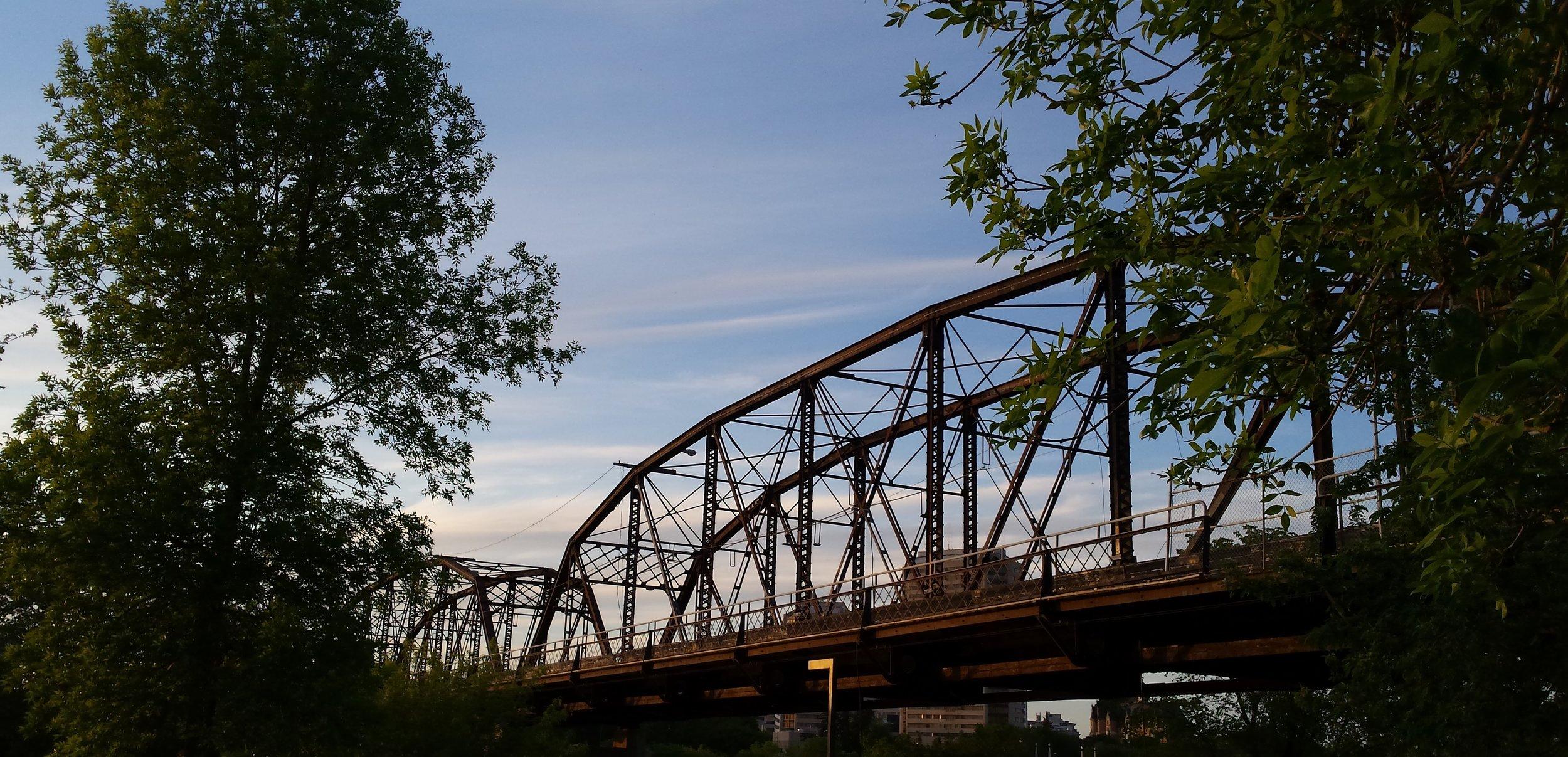 Victoria Bridge.jpg