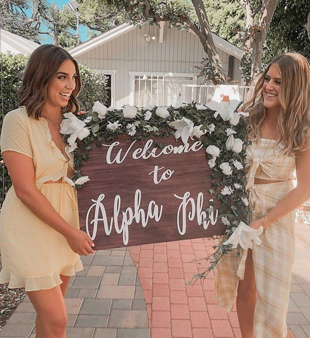 ONLY ONE MONTH LEFT💫  We're so excited to meet everyone going through recruitment this fall and we cannot wait to welcome home our PC'19!⭐️🤩✨ #csulbaphi #onemoremonth #wearealphaphi #recruitmentszn #alphaphi #csulb2023