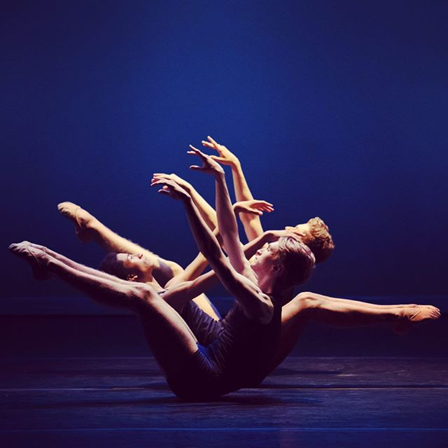 @abtstudioco dancing on Nov. 14 at 7 pm to benefit the Aveni Foundation 💙