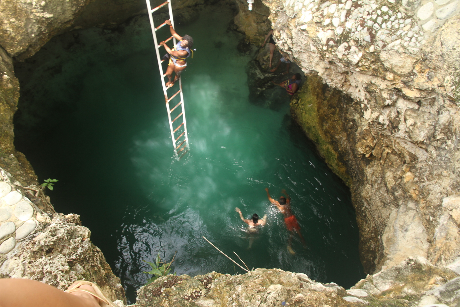 BLUE HOLE MINERAL SPRINGS -