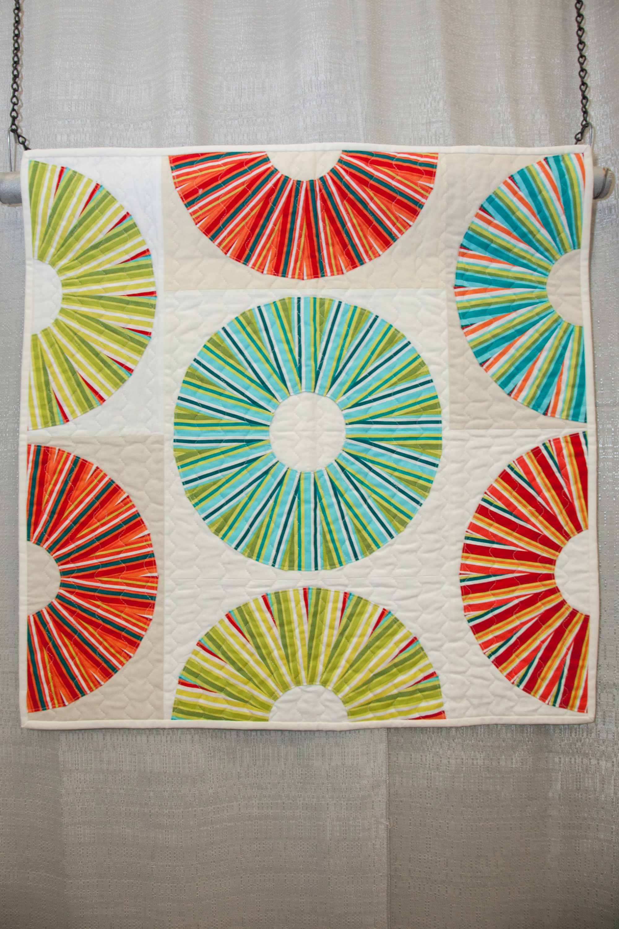 1st Place: Lifesavers  Pieced and quilted by Lee Heinrich