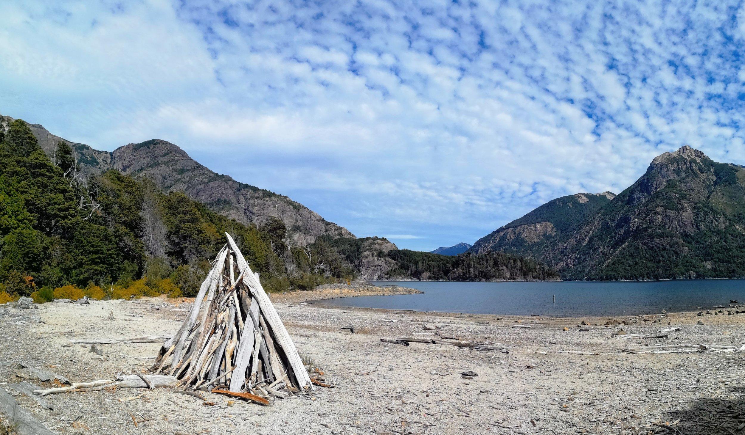 Nahuel Huapi lago lake bahia de los troncos playa beach bay of tree trunks travel photography hiking guide near bariloche trek