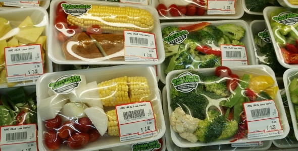 Photos That Will Make You Absolutely Furious If You Care About The Environment - plastic wrapped vegetables