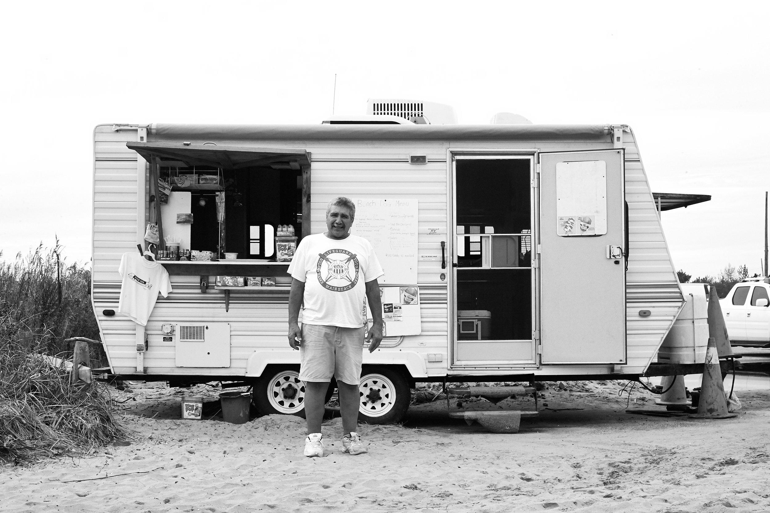 BeachDogMontuak-4.jpg