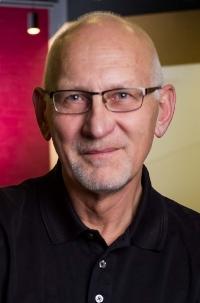 D.Gibson headshot.jpg
