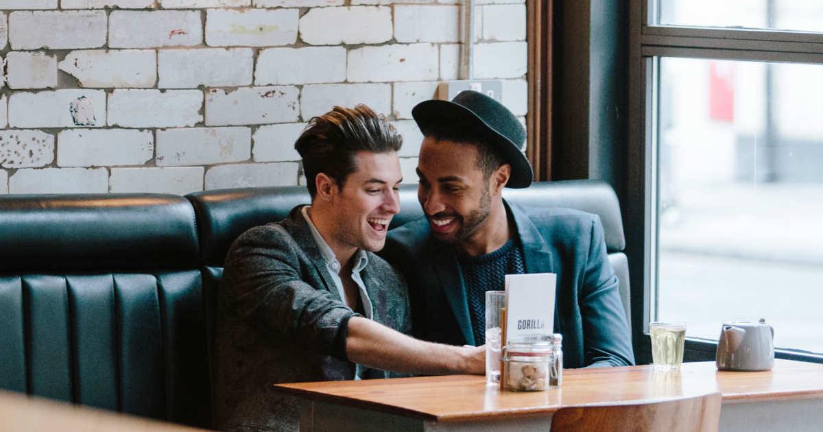 08-gay-couple-restaurant-mississippi.w600.h315.2x.jpg