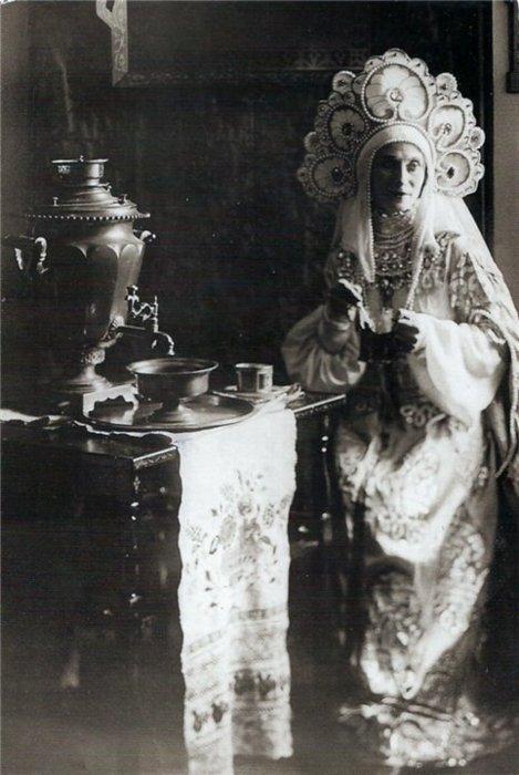 lady-i-kokoshnik1.jpg