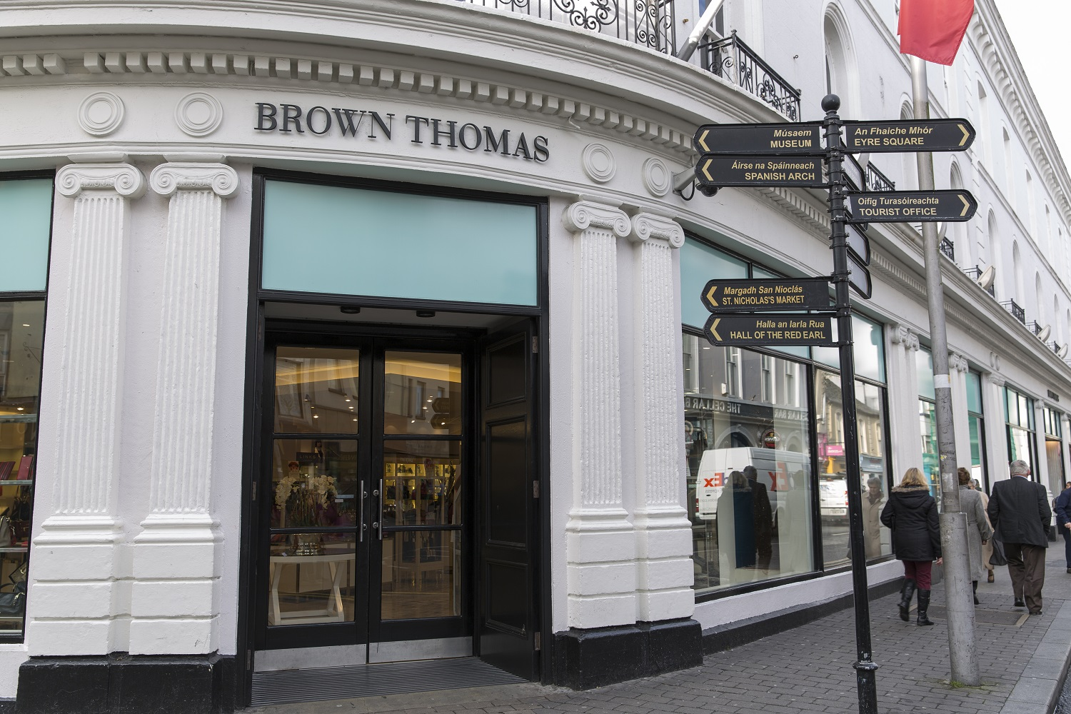 75% Lighting Savings for Brown Thomas after LED Lighting Upgrade - 8,500 lights, 256 carbon tonnes and 1.4 million kWhs
