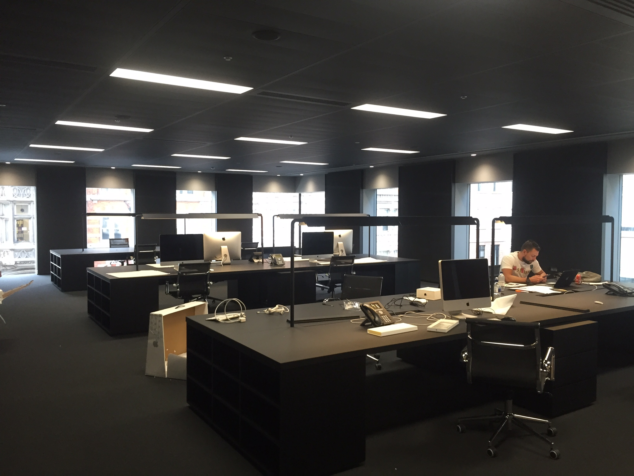 Dsquared2-Office-Area.jpg