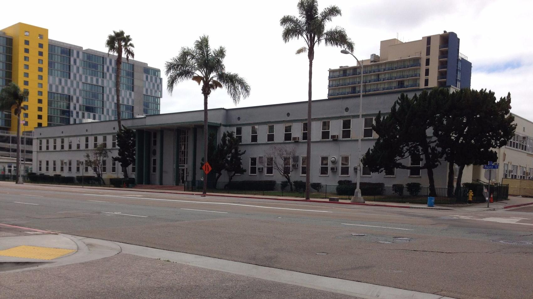 The Navy Facilities Engineering Command offices at 1220 Pacific Highway date back to the 1940s. (Roger Showley/UT)