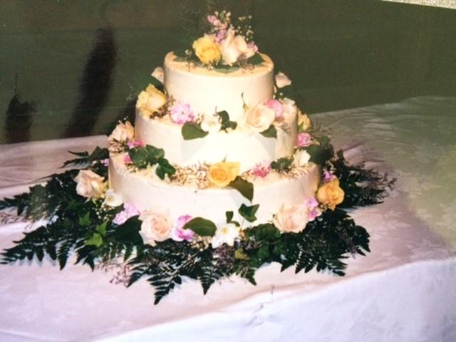 3_tier_wedding_cake.jpg