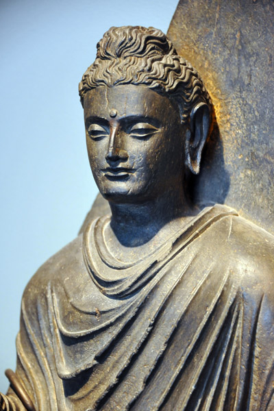 Buddha 200 350 Peshawar valley Gandhara Schist Pakistan Buddhism.jpg
