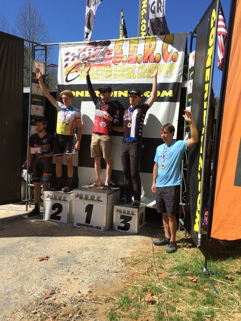 Seth Kemp finishes 2nd and Merv Davis 3rd in the Pro Men at the Knobscorcher.