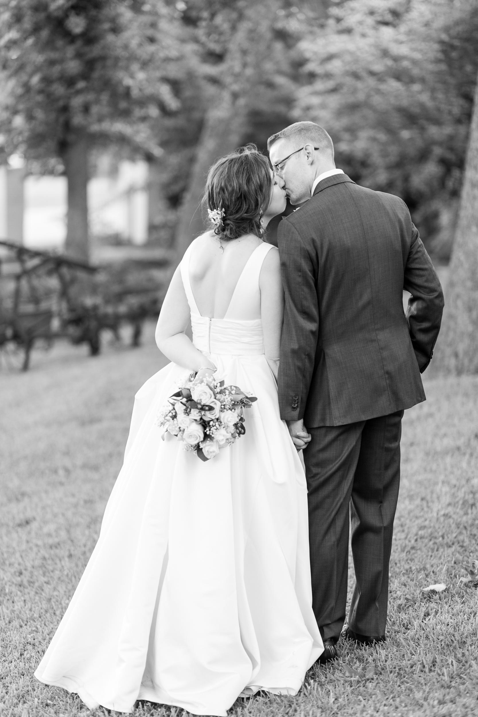 kelsiehendricksphotography_stonewedding_texas-123.jpg