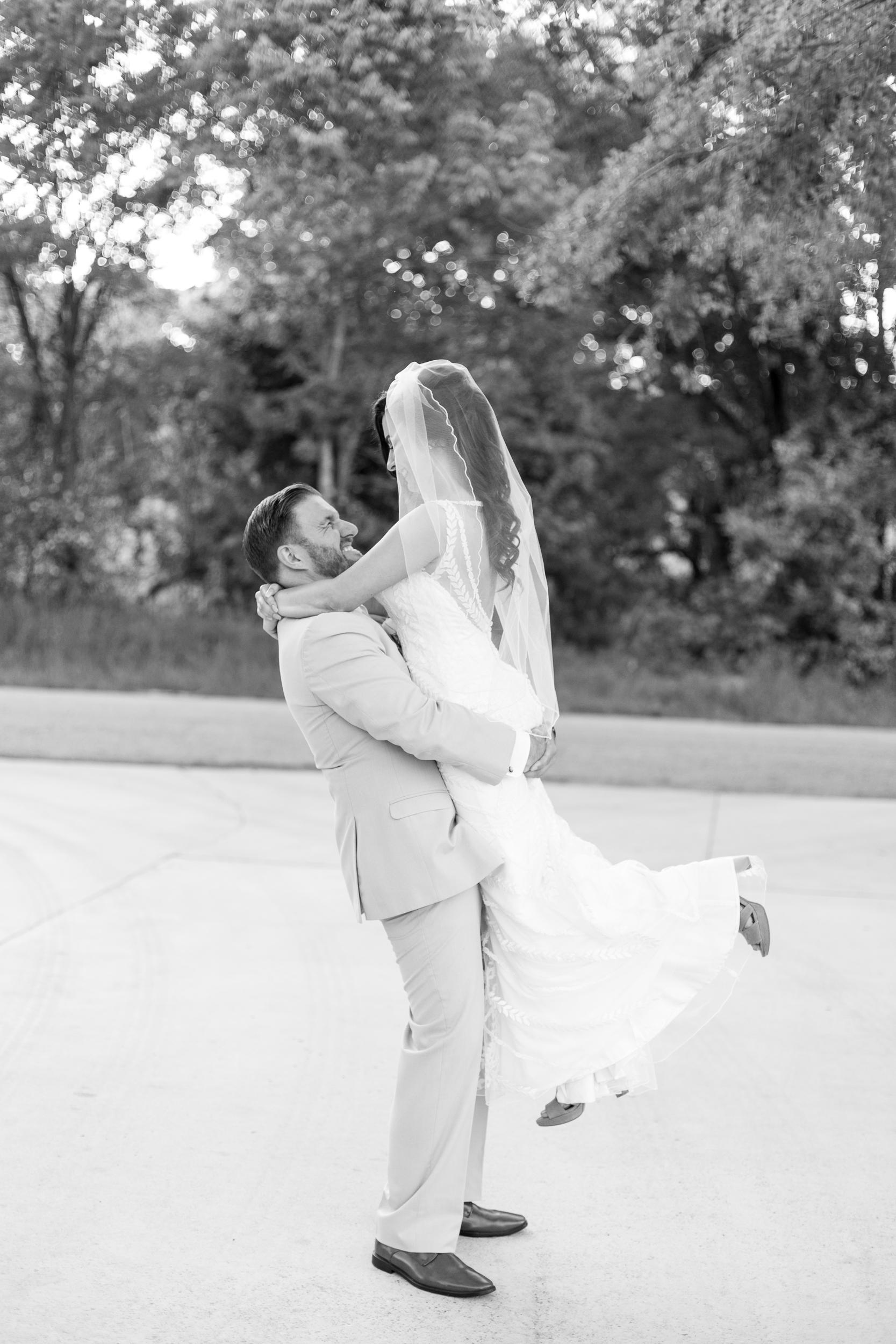 Zihlman-East TX Wedding_Kelsie Hendricks Photography_The Folmar Tyler Texas-124.jpg