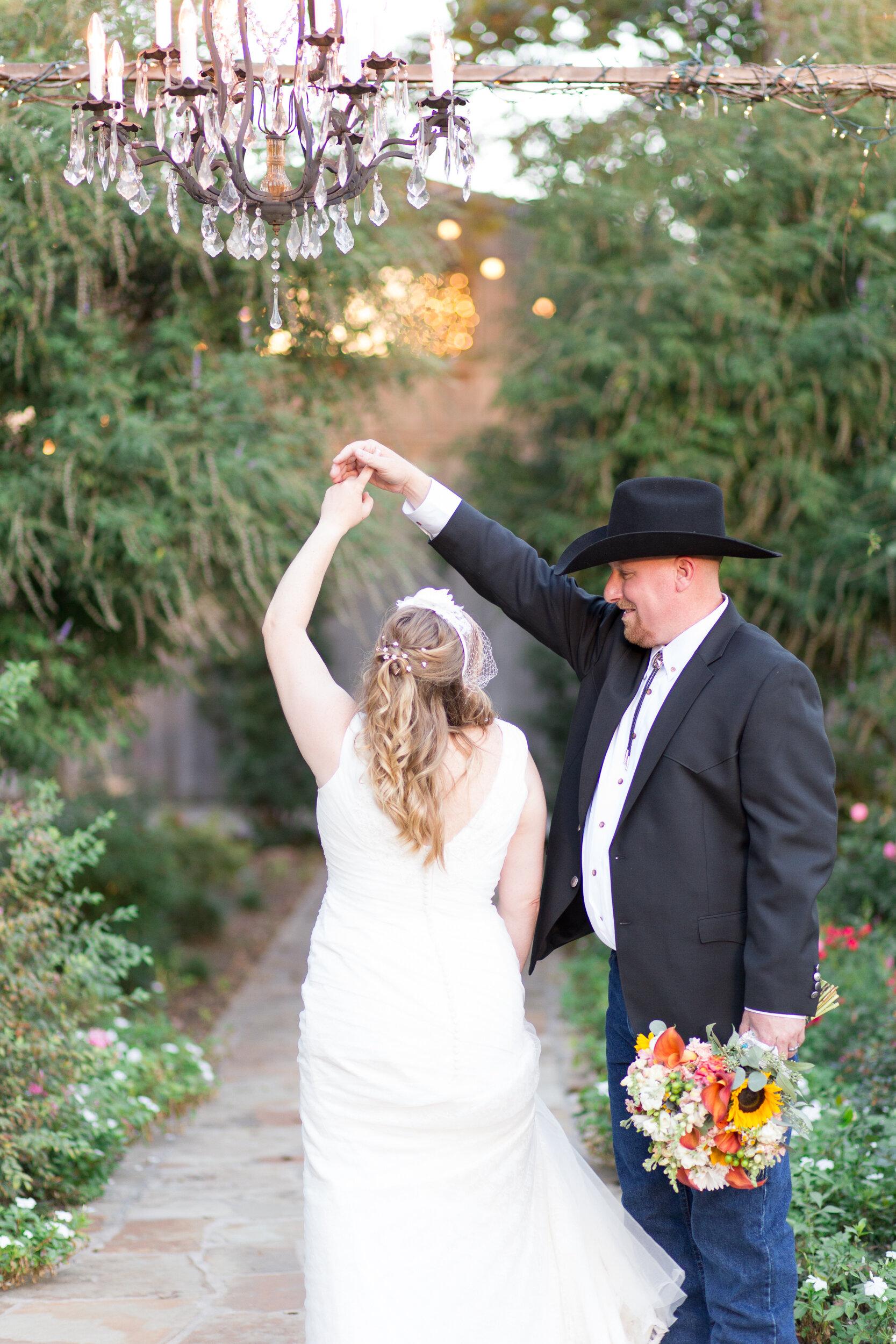 O'Connor-Wedding_kelsiehendricksphotography-73.jpg