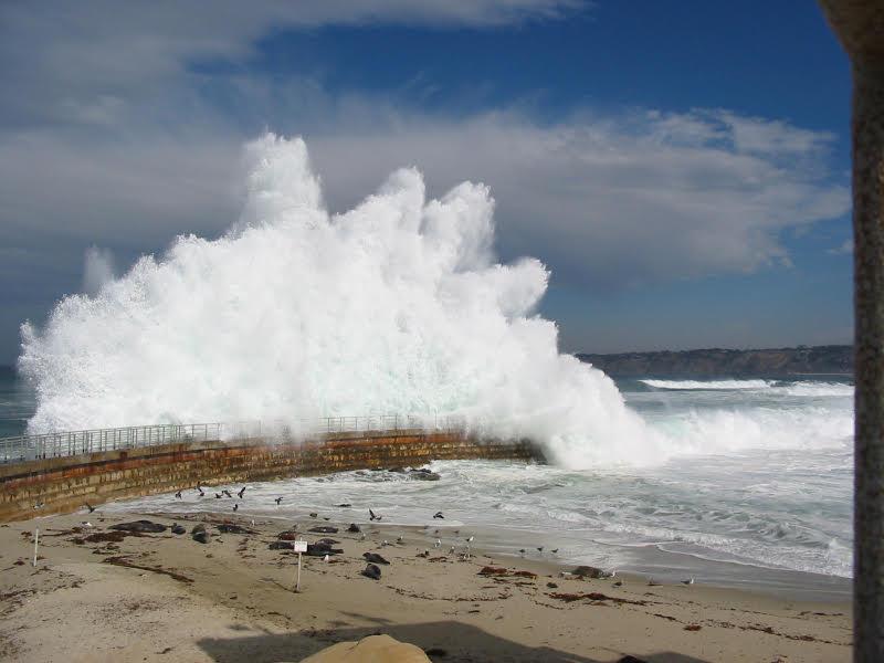 Big Wave in La Jolla.jpg