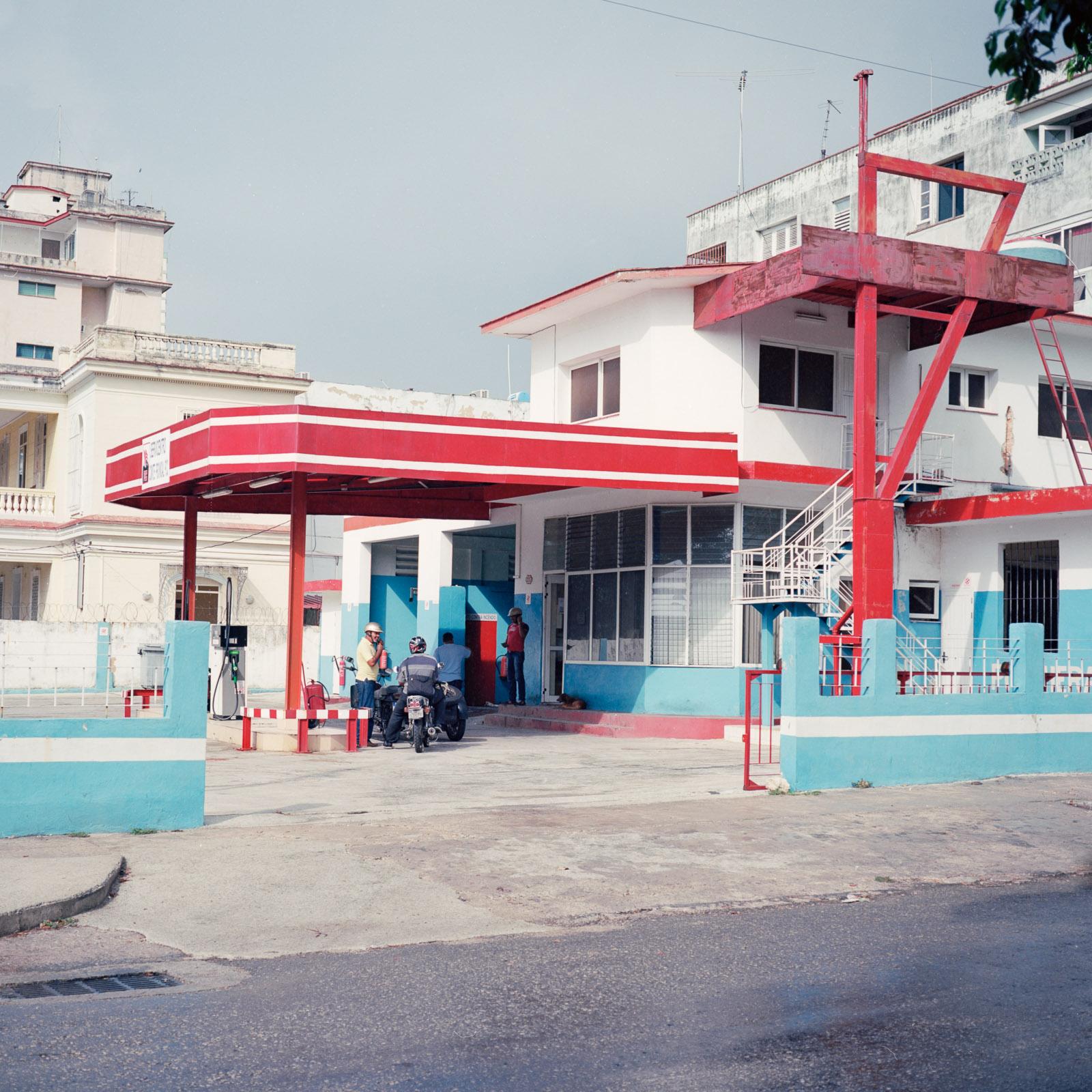 0001-cuba-travelphotography-23-Cuba-Ektar-100-2-copy.jpg