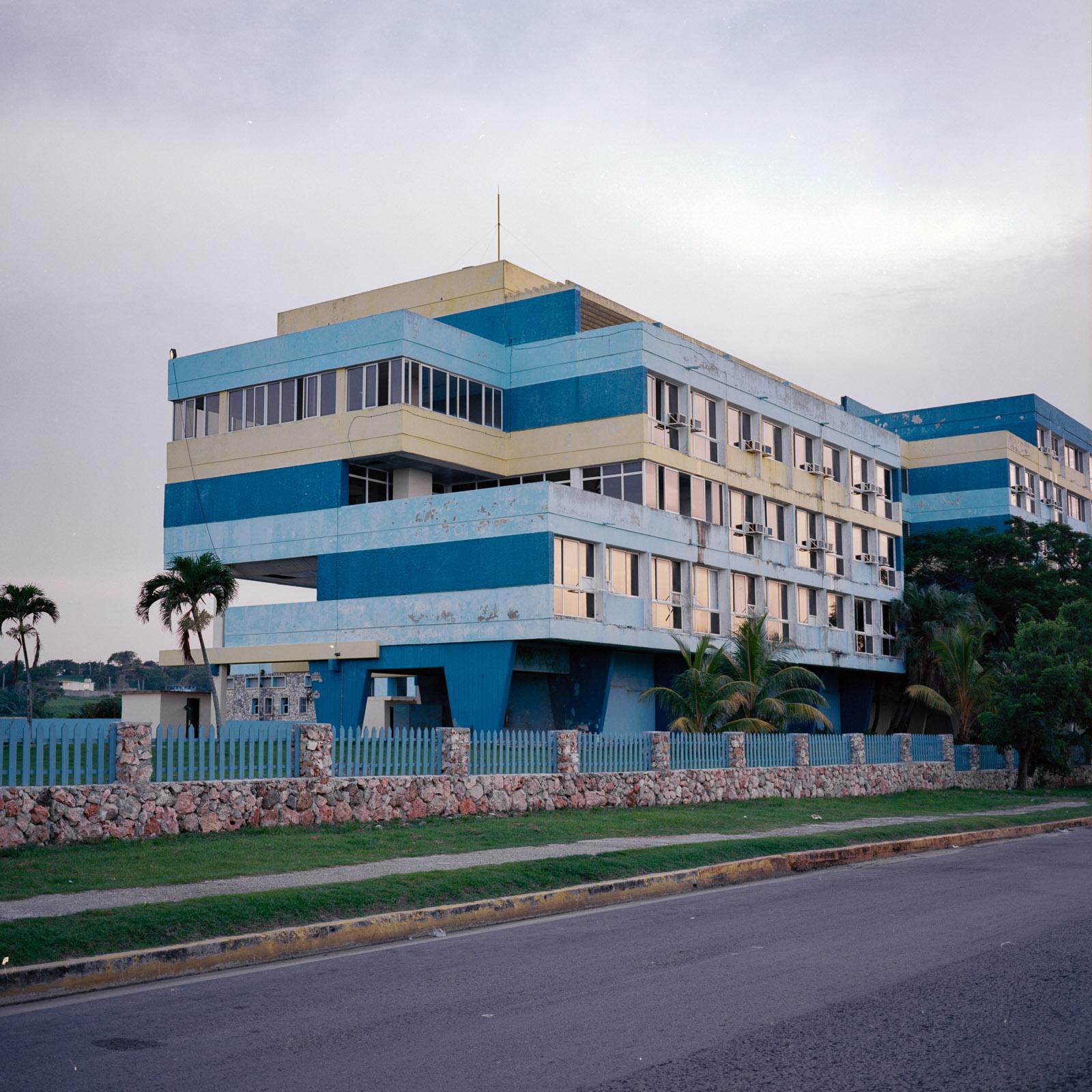 0001-cuba-travelphotography-28-Cuba-Ektar-100-8.jpg