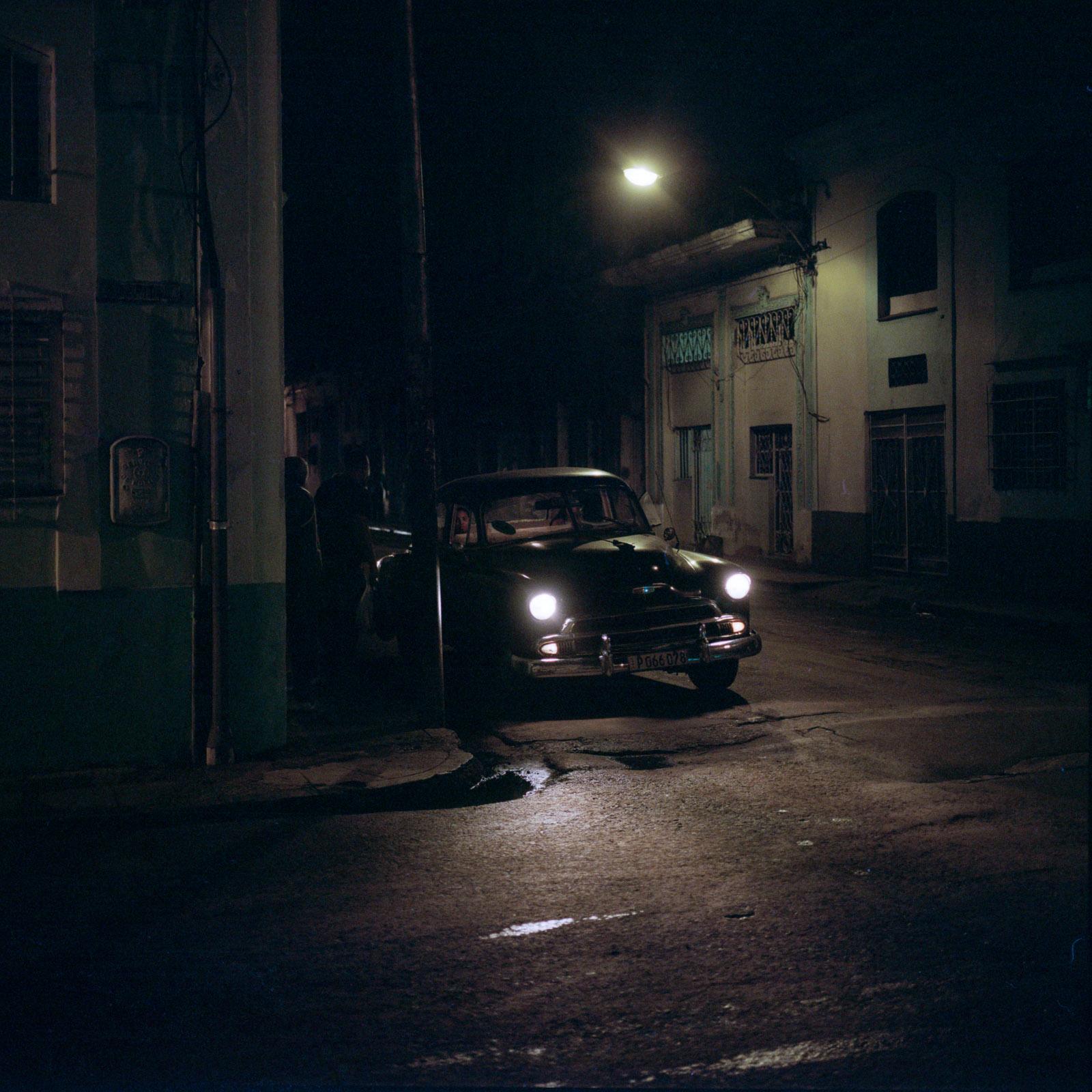 0001-cuba-travelphotography-25-Cuba-Portra-800-10.jpg