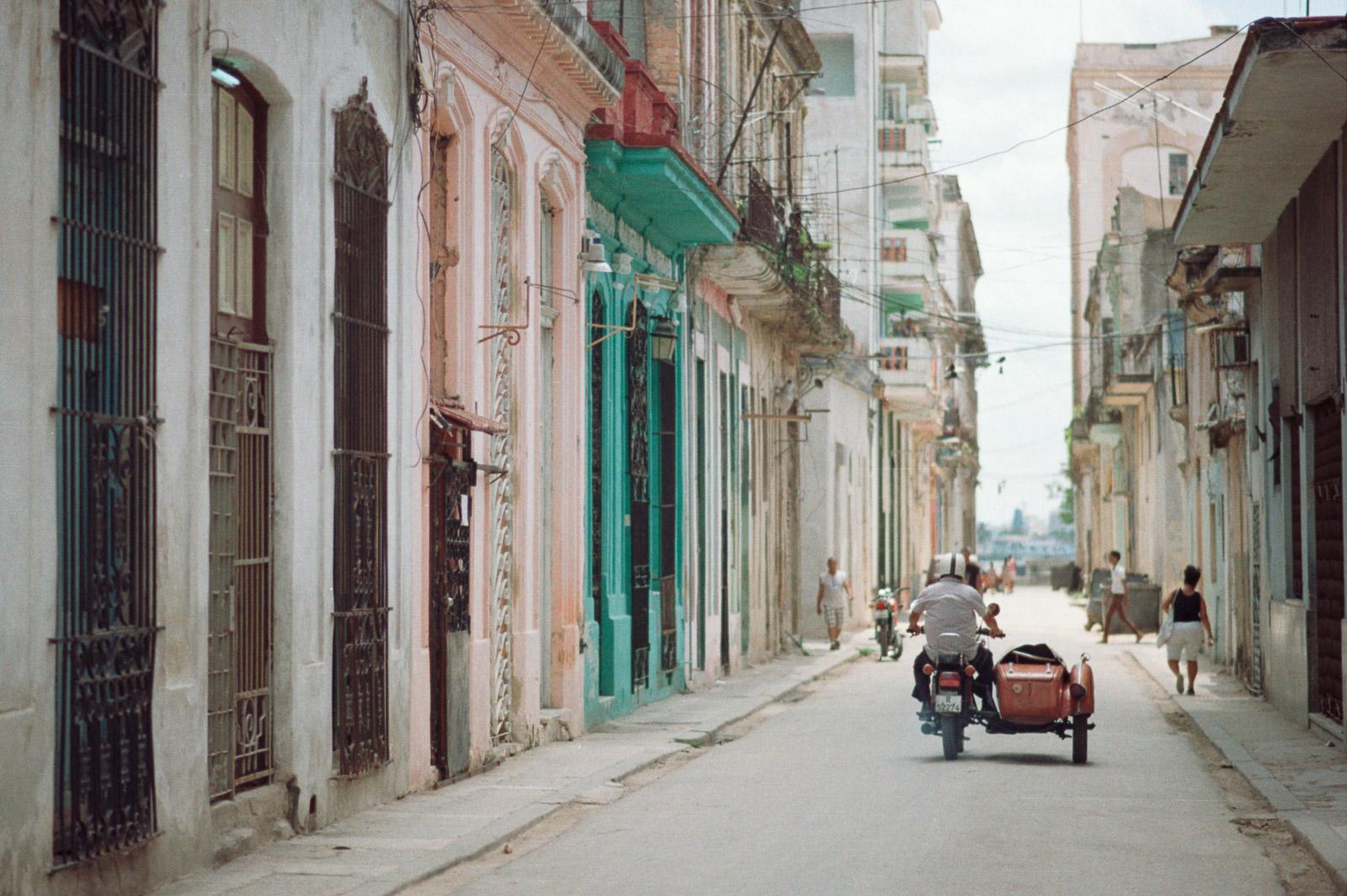 0001-cuba-travelphotography-10-cuba-pro-100-7.jpg
