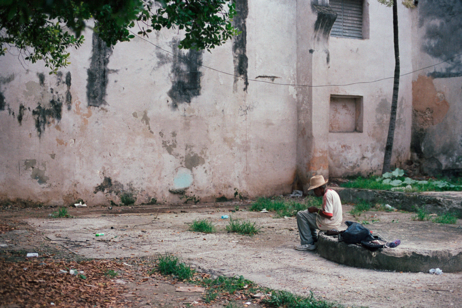 0001-cuba-travelphotography-11-cuba-portra-400-11.jpg