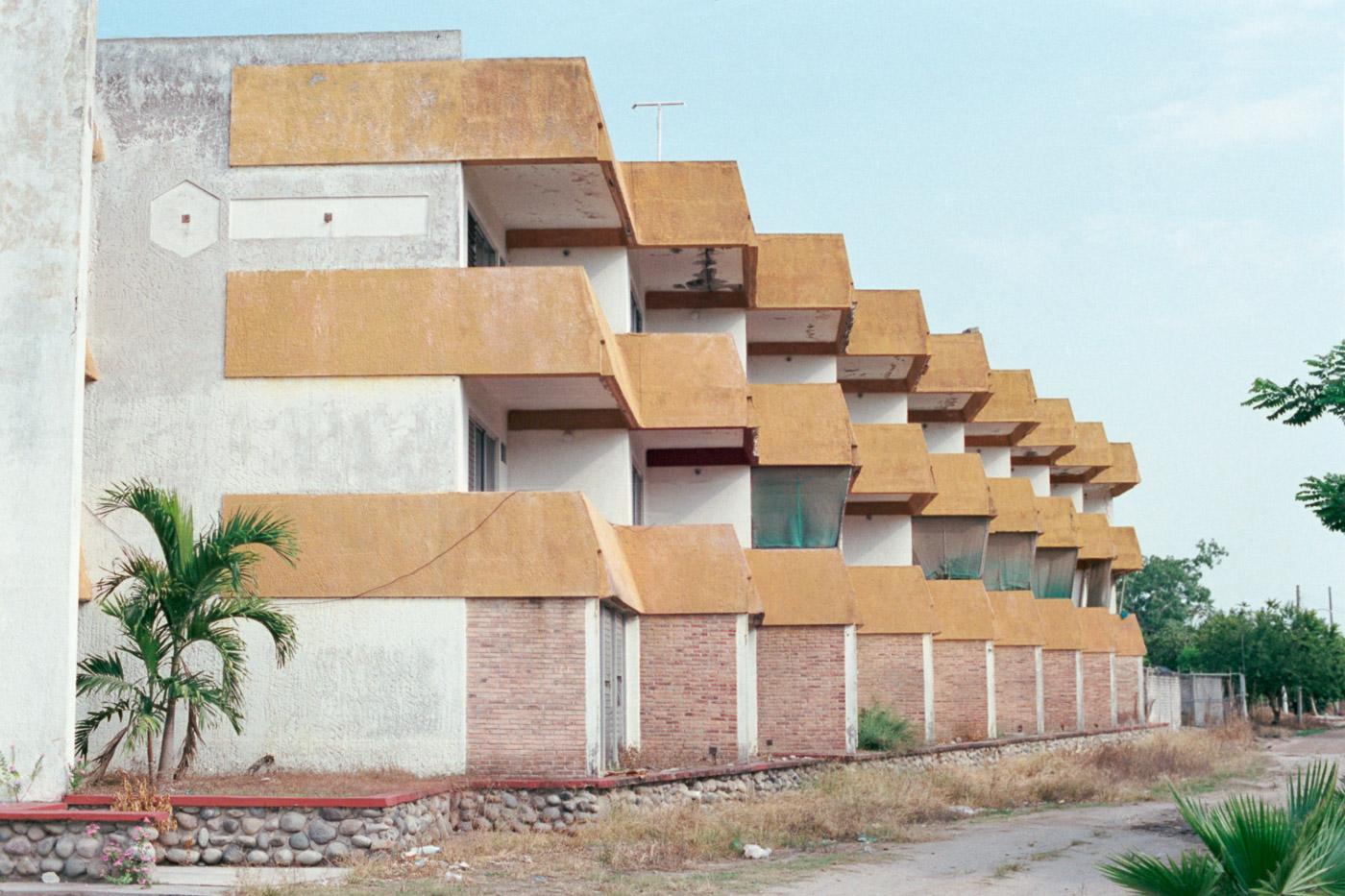 8-Mexico-Portra400-009-Edit.jpg